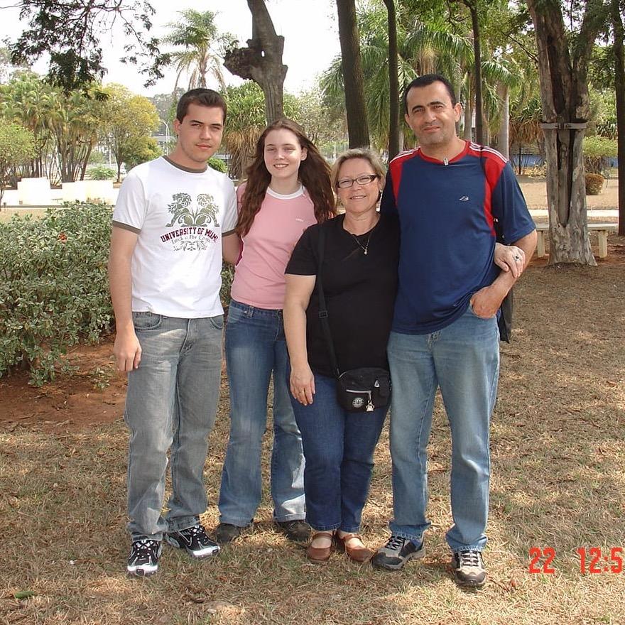 Gilmar Xavier e família, em visita à Replan