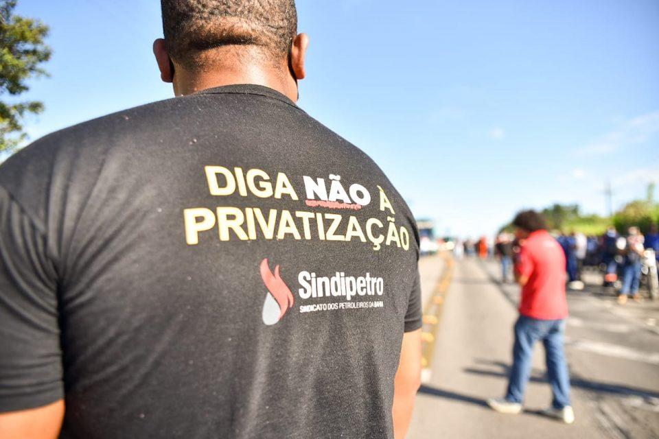 Petroleiros baianos já aprovaram a greve, que está na iminência de ser iniciada (Fotos: Pedro Henrique Caldas/Sindipetro-BA)